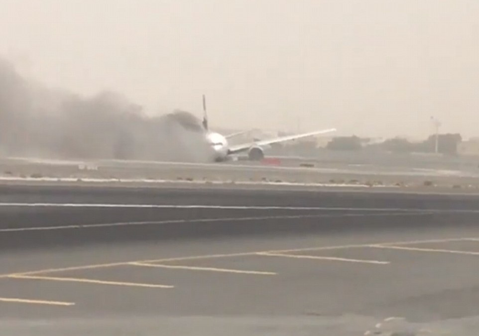36D50D8400000578 3721366 Emirates said the flight departed at 10 19am from Trivandrum Int m 69 1470218665348 Emirates jet crash-lands at Dubai airport after catching fire in the air