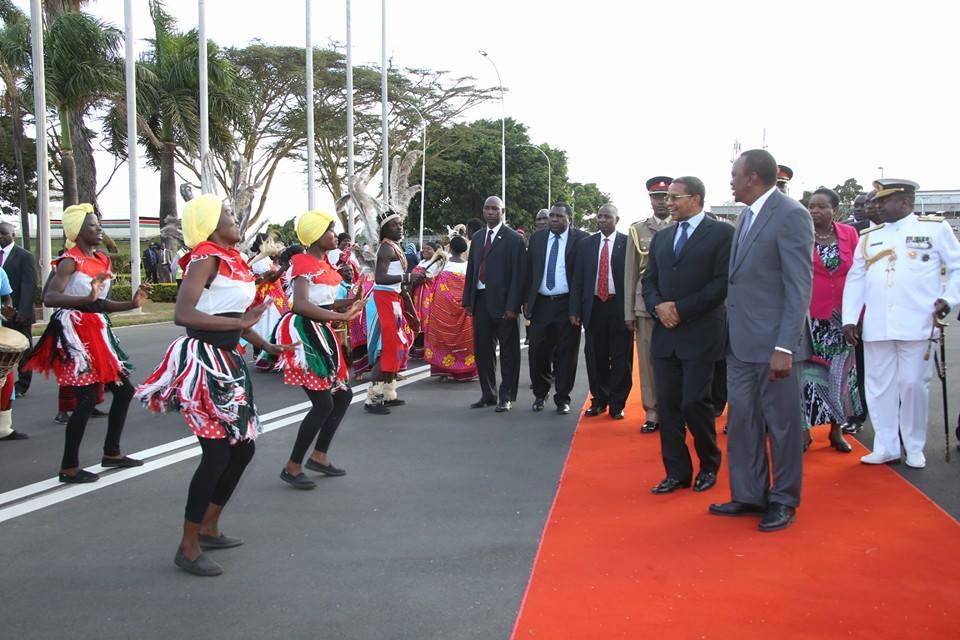 uhuru tanzania Homepage - Big Slide