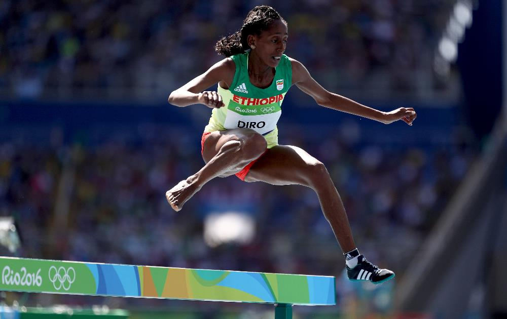 Losing a shoe won't keep Etenesh Diro from steeplechase final