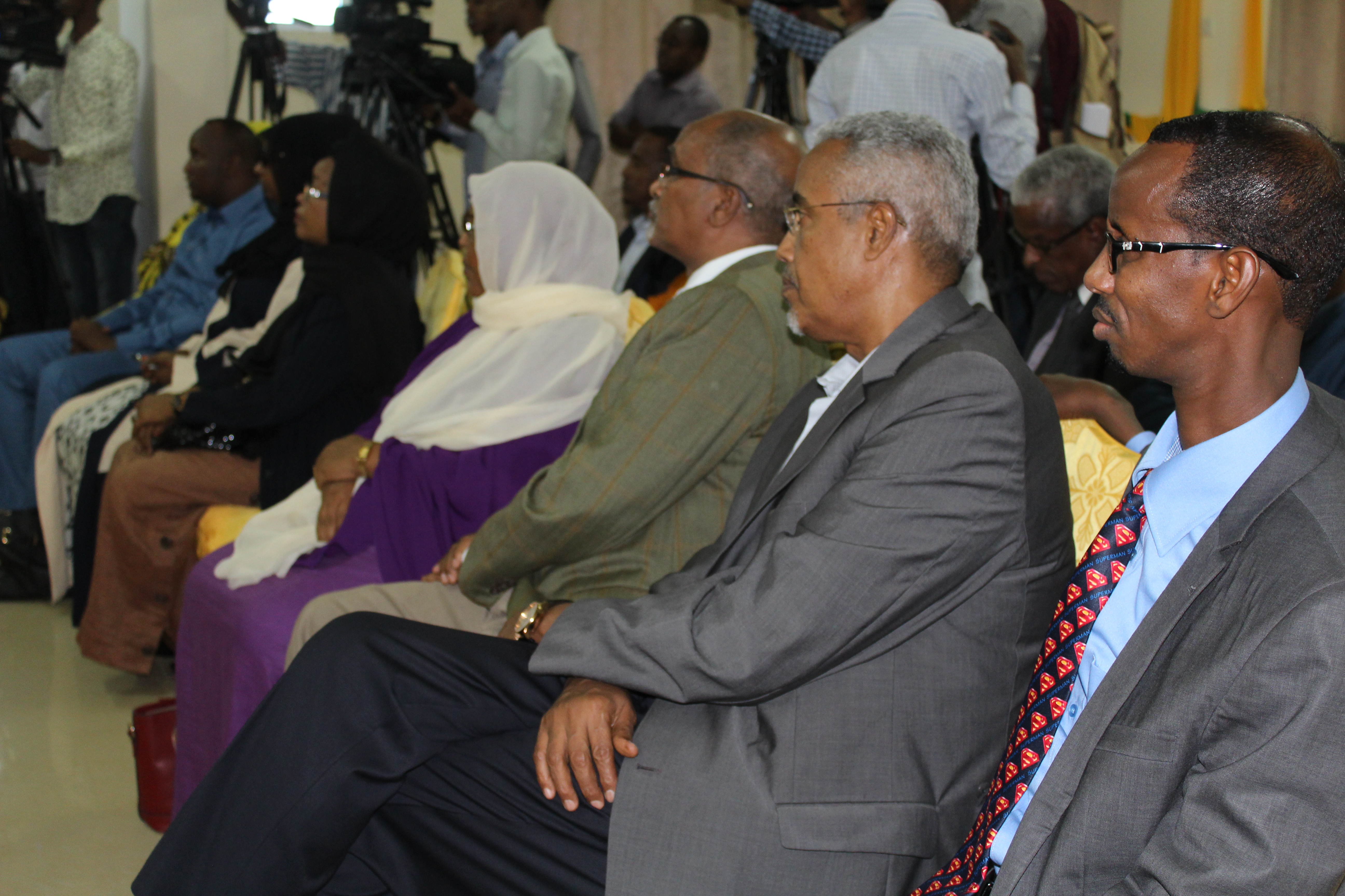"elections 2016 t Somalia: New dates for the Presidential & Parliamentary Elections ""Not November"""
