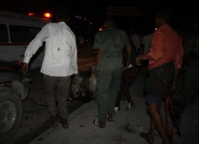 C1lw9POUUAAK UA Somalia: Three Killed in Tea Shop Blast, Popular with Soldiers