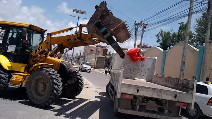 road barricades in Mogadishu